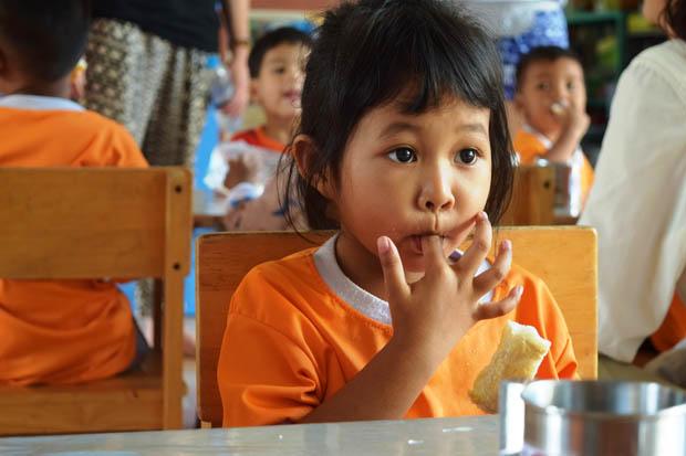 DEBORAH PORTOLAN IN THAILANDIA PER PRENDERE PARTE A UN PROGETTO UMANITARIO 3