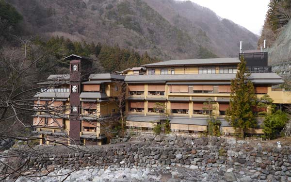 L'HOTEL PIÙ ANTICO DEL MONDO – Nisiyama Onsen Keiunkan in Giappone