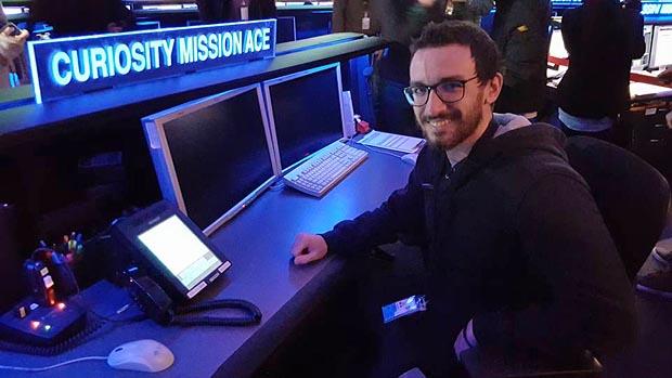 Stefano Cappucci si è trasferito a vivere a Los Angeles dove lavora come ingegnere aerospaziale alla NASA