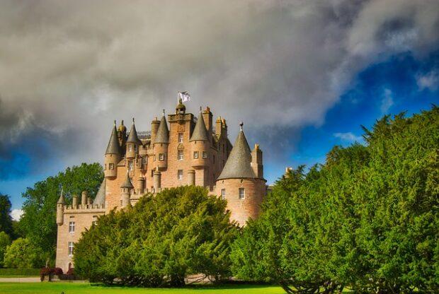 Glamis Castle - Turismo Spettrale i luoghi del mistero da visitare almeno una volta nella vita