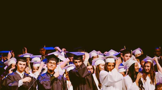 Non solo cervelli in fuga: l'esodo dei giovani italiani per studiare all'estero
