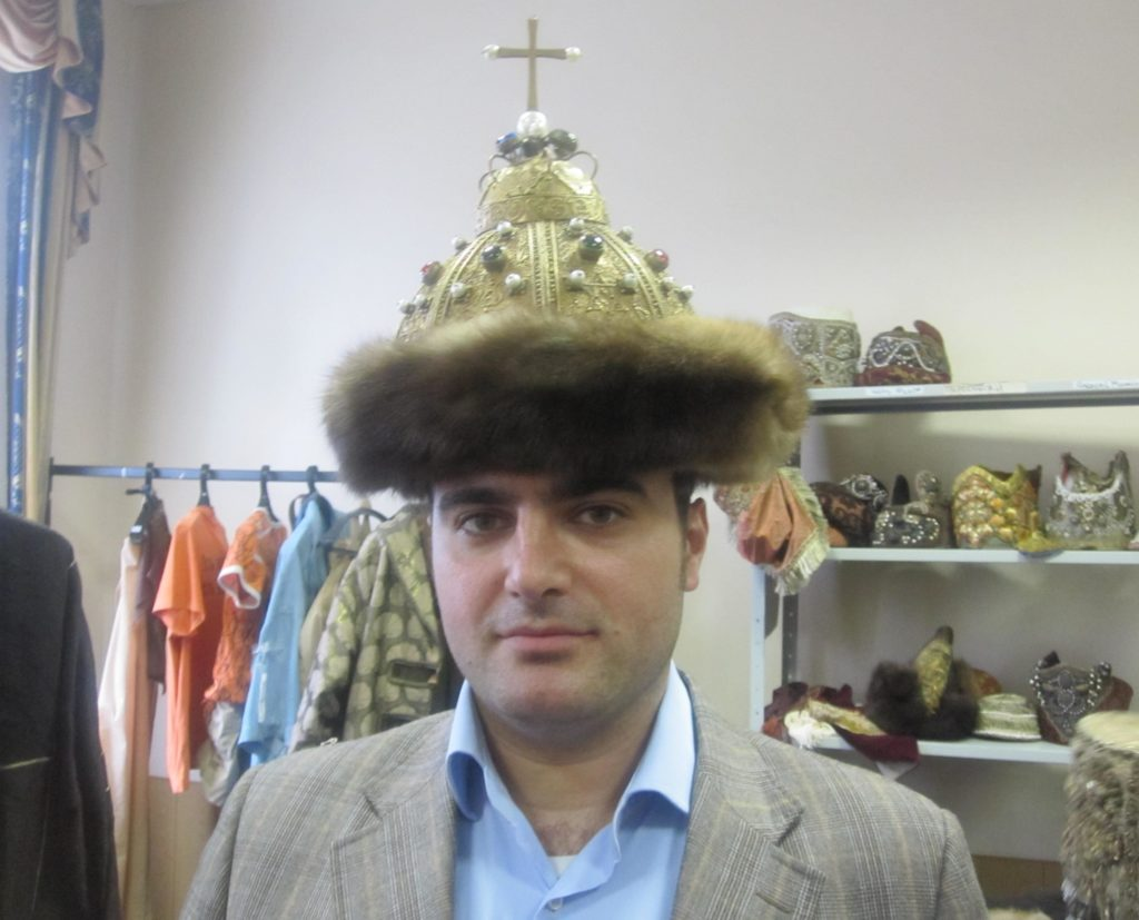 Vincenzo ha scelto di vivere a Mosca dove lavora come insegnante, traduttore e interprete
