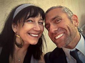Paola si è trasferita lavorare a Los Angeles dove ha aperto un'agenzia per trasferirsi negli USA