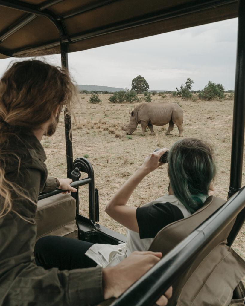 Storie di Travel Vlogger italiani: Giorgio e Martina di In Viaggio col Tubo ci raccontano la loro - Rinoceronti in Sudafrica