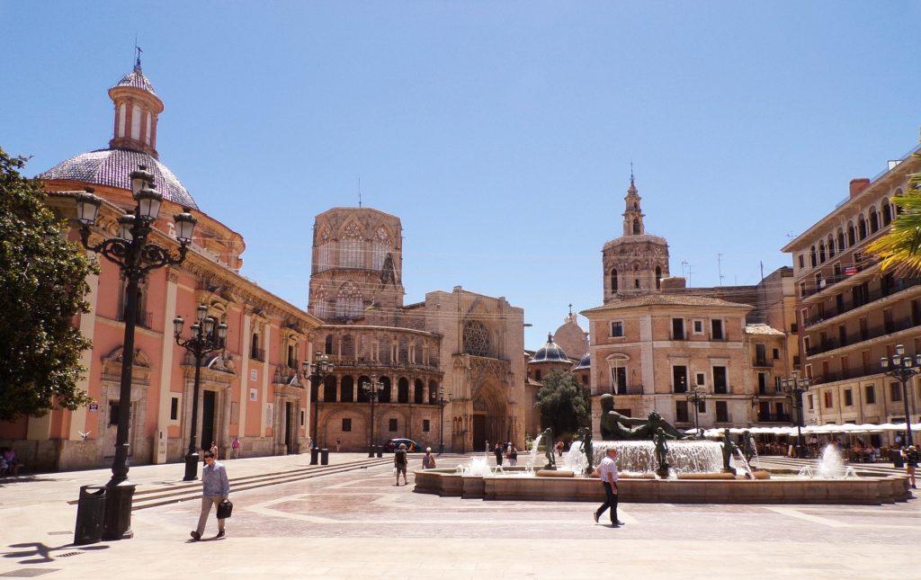 El Doctor Sax: la storia di Gabriele e della sua casa editrice a Valencia; Valencia